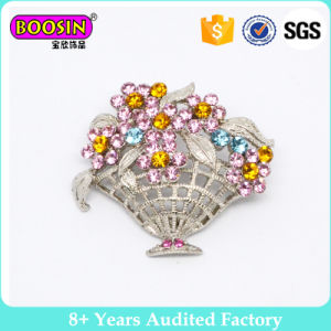 Fancy Decorative Imitation Pearl Brooch Design for Wedding pictures & photos