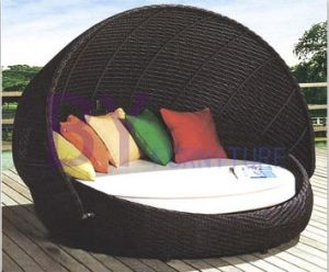 Black Outdoor Garden Patio Leisure PE Rattan Daybed pictures & photos