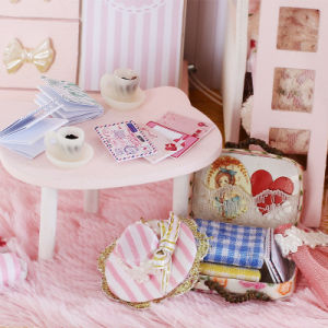 2017 Mininature DIY Dollhouse Wooden Toy pictures & photos