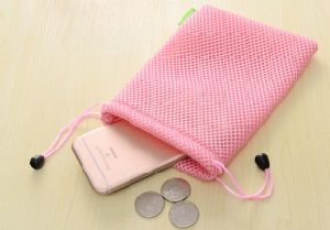 Wholesale Mesh Cell Phone Drawstring Bag (M09) pictures & photos