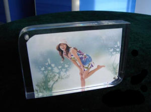 Customize Wholesale New Clear 4X6 Acrylic Picture Magnetic Transparent Photo Frame pictures & photos