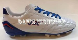 Hot Selling New Styles Football Shoes pictures & photos
