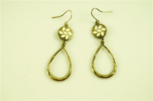 Fashion Textured Loop Alloy Earring pictures & photos