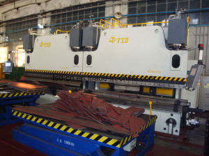 CNC Hydraulic Press Brake in Tandem/Double Bending Machine (2-WE67K-300/3200) pictures & photos
