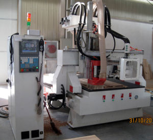 Atc CNC Router with Auto Tool Changer pictures & photos