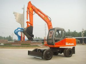 Excavator (HTL100A-2) pictures & photos