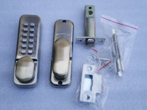 Push Button Lock (WTL-201AB) pictures & photos