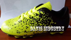 First Selling New Splat Design Soccer Football Shoes From China