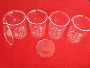 High Quality Measuring Quartz Beaker for Lab pictures & photos