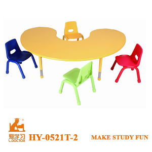 Moon Shape of Adjust Kids Study Table and Chair pictures & photos