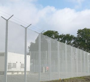 High Dense Welded Wire Mesh Fence or Fence Panel pictures & photos