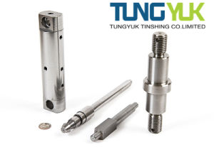 CNC Precision Turning Machining Parts with Auto & Motorcycle Parts pictures & photos