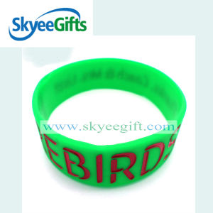 Promotional Gifts Silicone Wristband with Debossed Logo pictures & photos