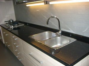 Professional Prefab Granite, Quartz Kitchen Countertop Manufactory pictures & photos