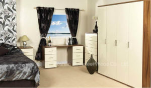 Cream Color High Gloss Bedroom Set (HF-SJ003) pictures & photos