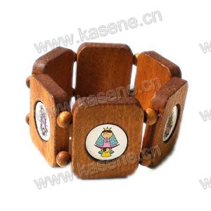Fashion Children′s Wood Bangle with Cartoon Pictures pictures & photos