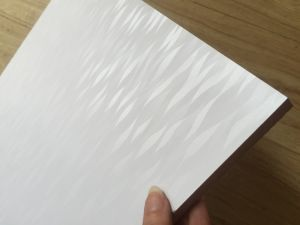 ISO9001: 2008 E2 E1 700 710 730 740kgs 1220*2440mm AAA Grade Decorative Board Building Material Melamine MDF pictures & photos