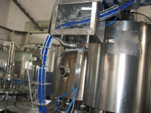 Automatic Pet Bottle Liquid Filling Packing Machine pictures & photos