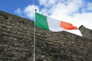 Custom Waterproof and Sunproof National Flag Ireland National Flag pictures & photos