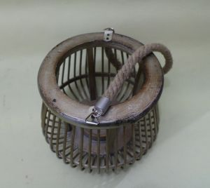 Vintage Wrought Iron Cage Medieval Style Simple Elegant Garden Lanterns pictures & photos