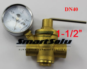 "1-1/2"" Dn40 Brass Water Pressure Regulator Valve with Pressure Gauge pictures & photos"