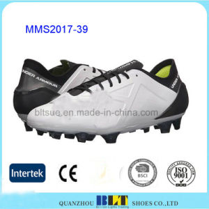 Fabric Lining Lace-up Closure EVA Insole Football Shoes Men pictures & photos