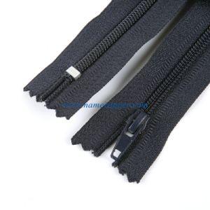 No. 4 Nylon Zipper pictures & photos