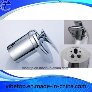 Factory Sale Brass Basin Mixer Faucet Cold and Hot Faucet pictures & photos