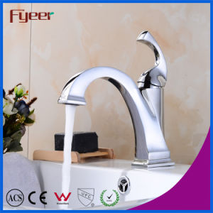 Fyeer New Design Niedrig Body Chrome Plated Crooked Quadrate Spout Single Handle Faucet Water Mixer Tap pictures & photos