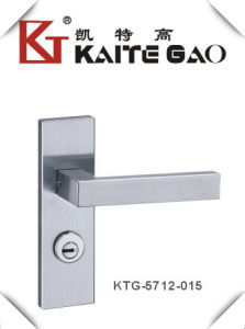 (KTG-5712-015) Stainless Steel Satin Finish Modern Door Handle on Plate pictures & photos
