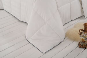 White Quilted Box Duck Feather Comforter pictures & photos