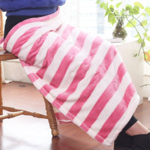 Small Solid Polyester Blanket Flannel Blanket (SR-B170316-41) pictures & photos