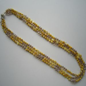 Daking Yellow Tone Crystal &Shell Triple-Row Charm Necklace pictures & photos