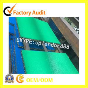 Green Color EPDM Durable and Anti-Slip Safety Outdoor Rubber Flooring pictures & photos