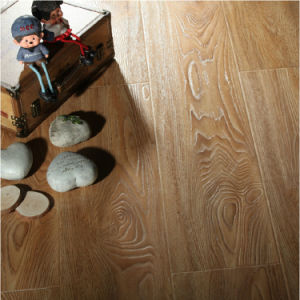Good Quality Water-Proodoof HDF Laminate/Laminated Flooring pictures & photos