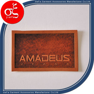Custom Embossed Genuine/Artificial Leather Patches for Bags/Jeans/Beanies pictures & photos