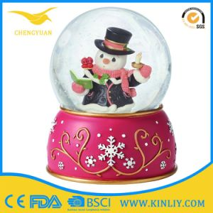 Glitter Snowflake Snowballs in Water Globe Souvenir Gift for Home pictures & photos