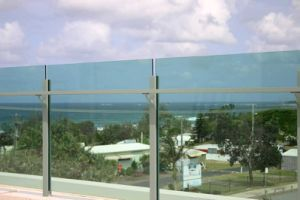 Curved Glass Railing (PR-1018) pictures & photos