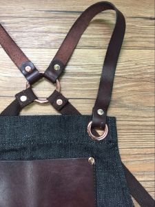 Customized Black Cross Back Barista Aprons with Leather pictures & photos