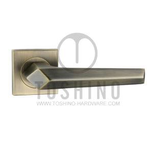 Zinc Alloy Door Lock Handle on Rosettes (153.12372) pictures & photos