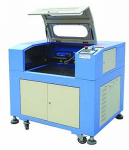 640 CO2 Plexiglass Laser Engraving Machine with SGS pictures & photos