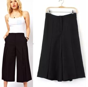 2015 Latest Summer Wide Leg Women Chiffon Short Pants pictures & photos