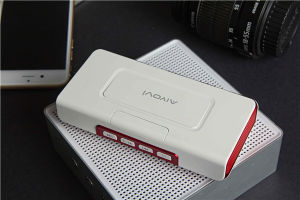 Wholesale Wireless Bluetooth Speaker with Portable Power Bank pictures & photos