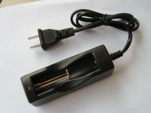 High Quality 18650&14500 Battery Charger pictures & photos