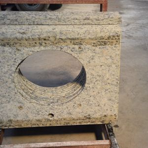 Popular Sell Granite Countertop Natural Stone for Bathroom pictures & photos