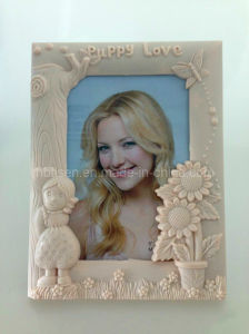 Plastic Picture/Photo Frame (HF721) pictures & photos