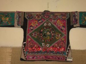 Old Miao Minority Embroidery Robe (M(75))