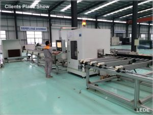 Auto Cutting Machine of Window Profile with 15 Seconds Different Length 45 90 Degree pictures & photos