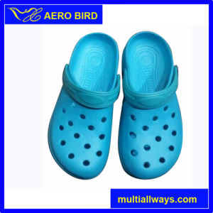 Boys&Girls Casual Style EVA Outsole Garden Clogs pictures & photos