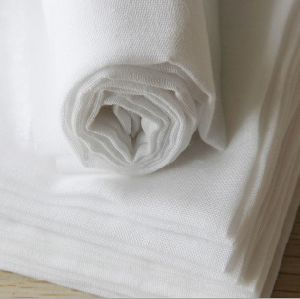 Double Layers, Plain Weaving Cotton Muslin Fabric for Diaper/Swaddle pictures & photos